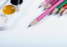 Bleistifte und Aquarelle Zurück zu Schule Stockfoto