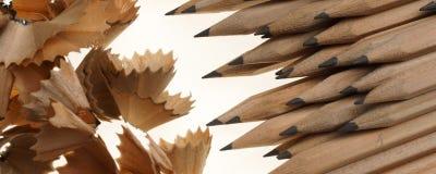Bleistifte und Bleistiftschnitzel - Fahnen-/Titelausgabe Lizenzfreie Stockfotografie