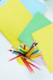 Bleistifte und Copybooks Lizenzfreie Stockfotografie