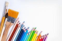 Bleistifte und Pinsel Lizenzfreies Stockfoto
