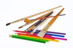 Bleistifte und Pinsel Lizenzfreie Stockfotos