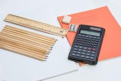 Bleistifte und Sachen Stockfoto