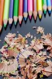 Bleistifte und Schnitzel Lizenzfreies Stockbild