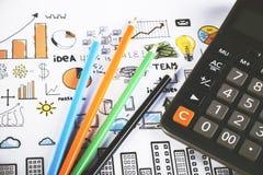 Bleistifte und Taschenrechner Stockfotos