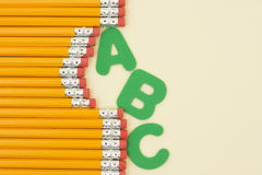 Bleistifte und Zeichen Lizenzfreies Stockfoto