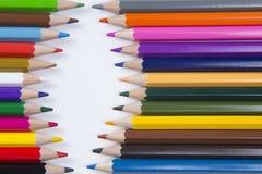 Bleistifte vereinbart auf Weißbuch Stockfotografie