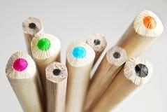 Bleistifte von verschiedenen Farben Stockfotografie