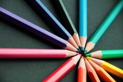 Bleistifte von verschiedenen Farben schließen oben Lizenzfreies Stockbild