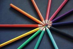 Bleistifte von verschiedenen Farben schließen oben Lizenzfreie Stockbilder