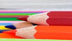 Bleistiftfarbe auf Hintergrund Stockfotos