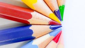 Bleistiftfarbe auf Hintergrund Lizenzfreie Stockfotos