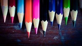 Bleistiftfarbe auf Hintergrund Stockbild