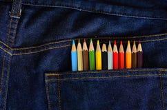 Bleistiftfarbe in der Baumwollstofftasche Stockfotos