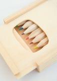 Bleistiftkasten mit dem Schieben der Kappe. Stockfotografie