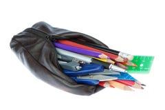 Bleistiftkasten mit Schulezubehör. Lizenzfreie Stockbilder