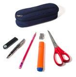 Bleistiftkasten und verschiedenes Material Stockfotografie