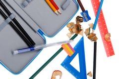 Bleistiftschnitzel mit Schulehilfsmittelmakro Lizenzfreies Stockbild