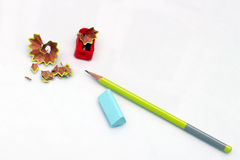 Bleistiftspitzer, ein Radiergummi und Bleistift Lizenzfreies Stockbild