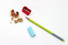 Bleistiftspitzer, ein Radiergummi und Bleistift Lizenzfreie Stockbilder