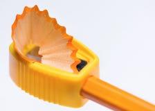 Bleistiftspitzer mit Bleistift Lizenzfreie Stockfotografie