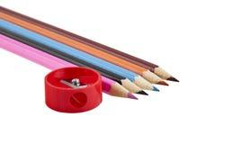 Bleistiftspitzer mit Bleistiften Lizenzfreies Stockfoto
