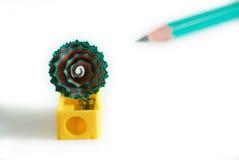 Bleistiftspitzer mit dem Rasieren von #2 Stockbilder