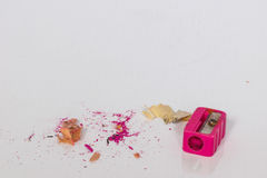 Bleistiftspitzer und Abfall des Bleistifts Stockfoto