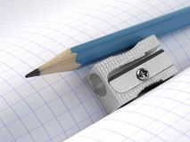 Bleistiftspitzer und Bleistift Stockbilder