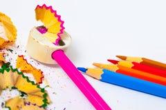 Bleistiftspitzer von Bleistiften für das Zeichnen Stockfotos