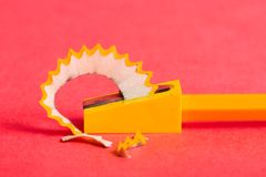 Bleistiftspitzerschnitzel Lizenzfreie Stockfotos