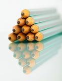 Bleistiftstapel auf Lokalisierung Stockfoto