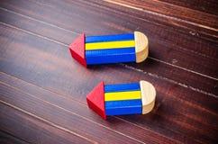 Bleistiftsymbol von den Farbholzklötzen Lizenzfreie Stockfotos
