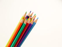 Bleistiftzeichenstifte auf weißem Hintergrund Stockfotos