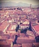 Bleknad Retro tappning utformade den flyg- bilden av Lucca Royaltyfri Fotografi