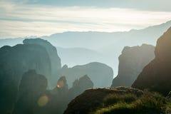 Blendenfleck auf dem beckground von Schichten der Felsen Lizenzfreies Stockbild