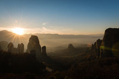 Blendenfleck ower Meteora-Tal in Griechenland Lizenzfreie Stockbilder