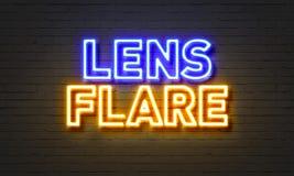 Blendenfleckleuchtreklame auf Backsteinmauerhintergrund Lizenzfreie Stockfotografie