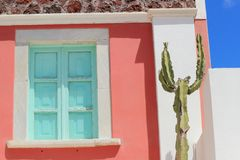 Blendenverschlüsse eines Hauses, Santorini, Griechenland Lizenzfreie Stockbilder