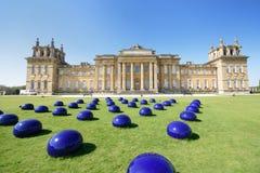 Blenheim-Palast mit Installation der modernen Kunst Lizenzfreies Stockfoto