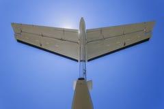 Bleu d'arrière d'aéronefs légers Images libres de droits
