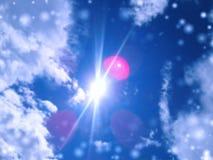 Bleu de ciel avec l'effet de tache floue Photographie stock
