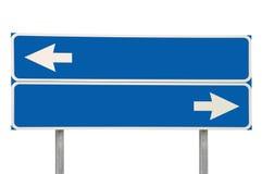Bleu de flèche du signe de route de carrefours deux d'isolement Image stock