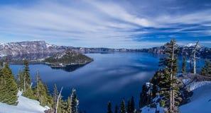 Bleu de lac crater Images libres de droits