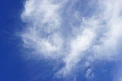 bleu de nuage et de ciel photo stock