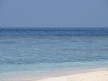 Bleu des îles des Maldives Photos stock