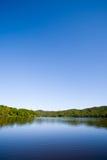 bleu et lac Photographie stock libre de droits
