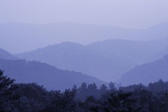 Bleu fumeux de montagne Photo stock