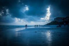 Bleu sur la plage bleue de montagne Images libres de droits