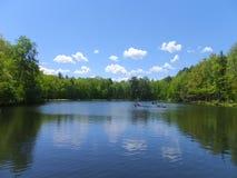 Bliźniaczy jeziora przy Bushkill Spadają przy Poconos, Pennsylwania zdjęcia stock