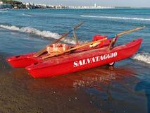 Bliźniaczy Wyłuszczony Rowboat morza ratunek Na morzu zdjęcia stock